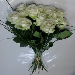 12 roses blanches